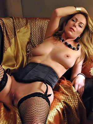 curvy mature amateur xxx pics