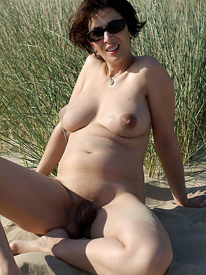free pics of amateur mature moms