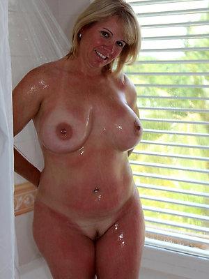curvy amateur matured nude battalion pics