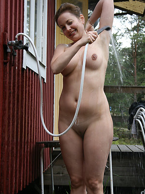 free pics of mature nude amateur