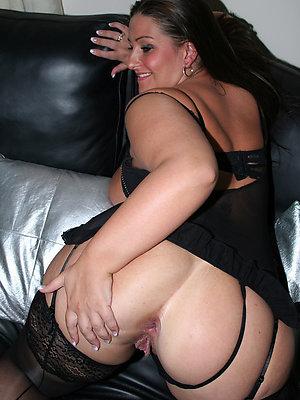 bonny mature ass porn pics