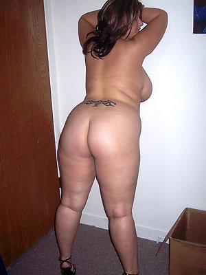 nice mature ass stripped