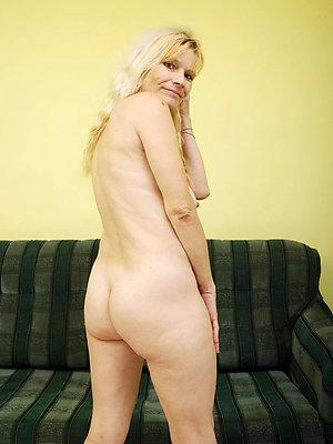 hotties free mature ass pics