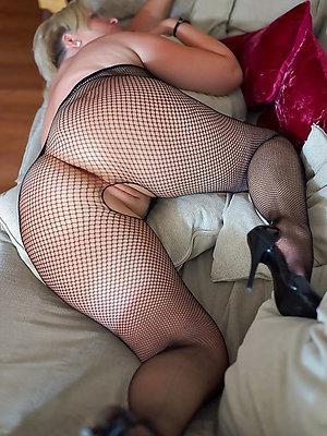 naked big mature ass pics
