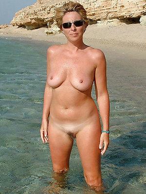 slutty mature beach pictures