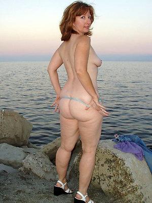 sexy mature beach porn pics