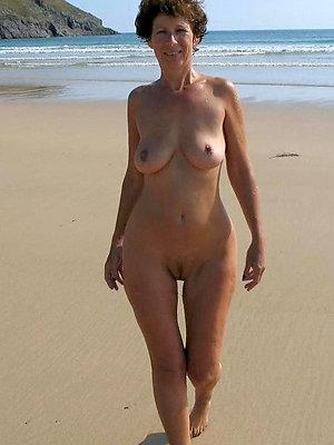 cuties mature within reach the beach pics