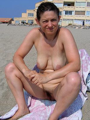 free pics be proper of mature women above beach