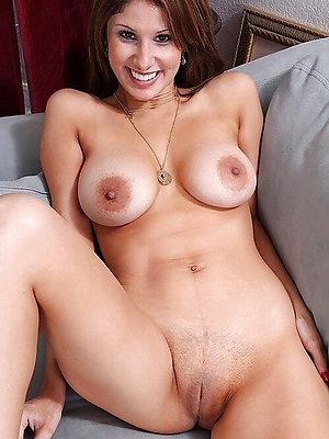 beautiful mature blonde chunky tits