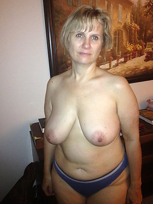 superb big saggy mature tits
