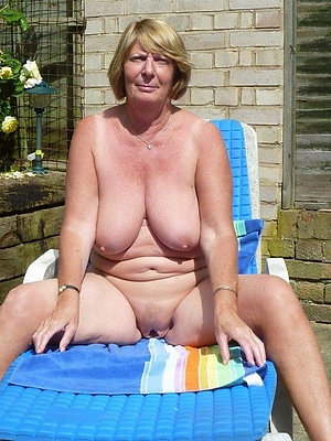 easy pics of mature tyro big tits