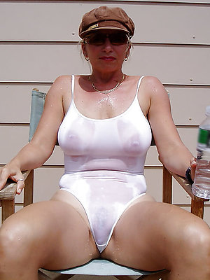 hotties mature bikini babes xxx