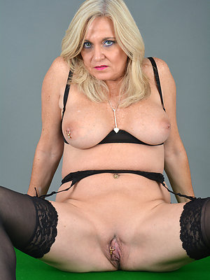 blonde of age milf love porn