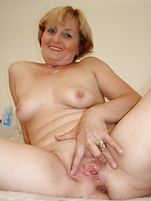 crazy mature nude blondes xxx