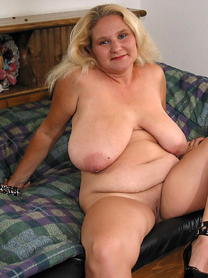 beautiful mature blonde milfs