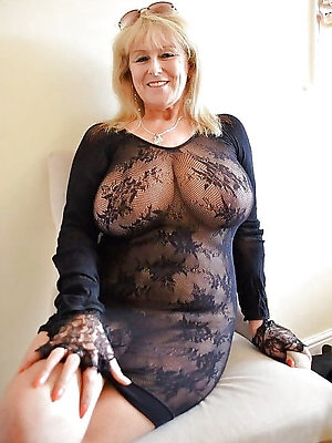 slutty broad in the beam mature blonde