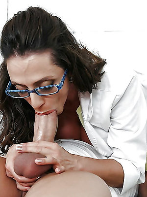 ill-behaved mature mam blowjob pictures