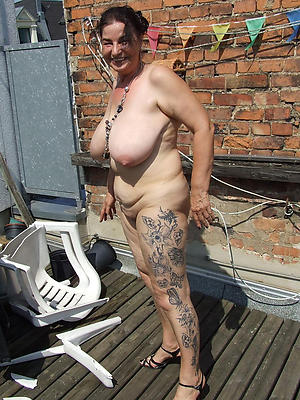 beautiful mature tattooed women porn pics