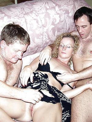 xxx mature wife threesome