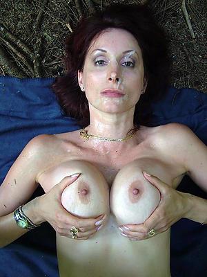 grown-up natural tits posing bald
