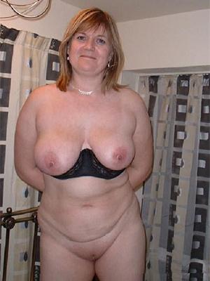 nice mature tits posing nude