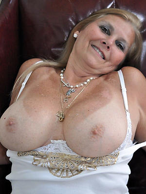natural mature tits love porn