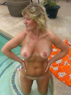 free pics of mature bosom plus ass