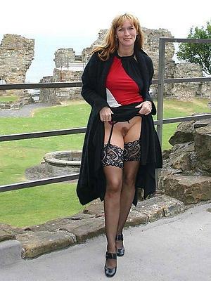 curvy mature wife upskirt