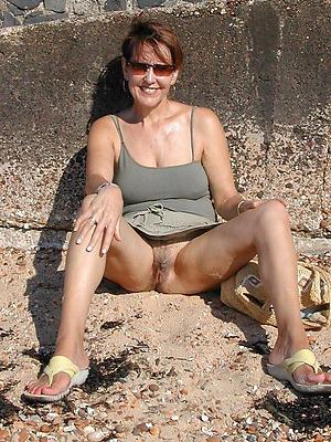 naughty mature milf upskirt