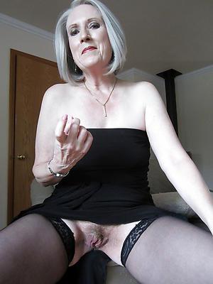 free pics of mature upskirt no panties