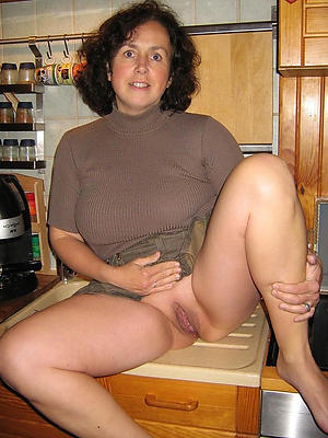 nasty mature upskirt pictures