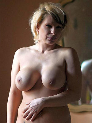 slutty mature wife leafless pics