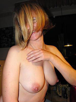 beautiful mature nude wife
