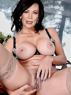 mature scanty models pictures