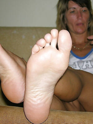 hot sexy mature feet pics