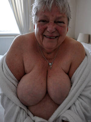 hot old naked women pics