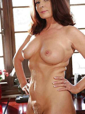 beauties mature singles pictures