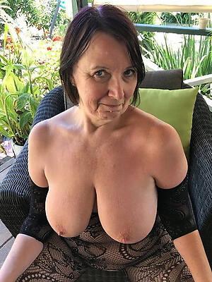 Mature breast nackt bilder