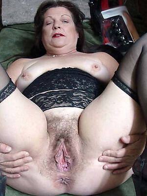 natural nude unshaved mature pussy pictures