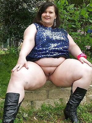 petite mature beamy porn photo