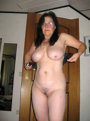naked full-grown in glasses high def porn