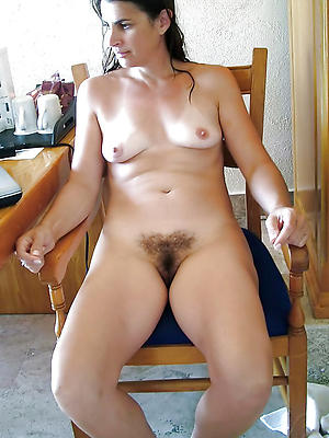 matured solo pussy posing nude