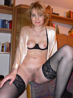 bonny solo mature women photos