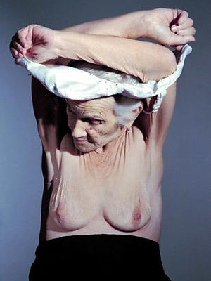 older mature women posing nude