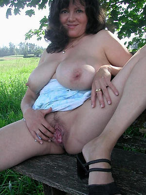 mature pussy xxx stripped