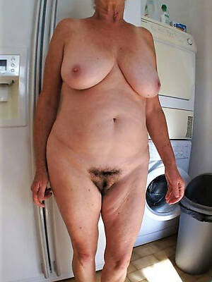 naked pics of sexy older mature woman