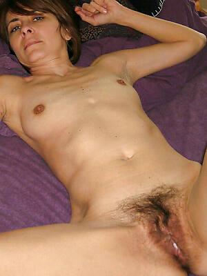 mature with small Bristols amateur porn pics