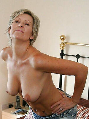 old mature naked women sex pics