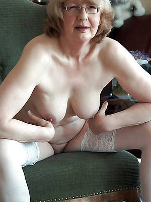 old mature naked women pics