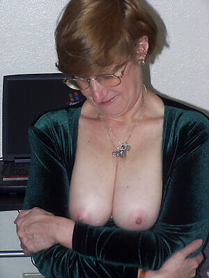 old women showing pussy porn pics
